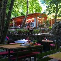 Das Foto wurde bei Yazıcılar Otel & Restaurant von Macit K. am 6/30/2012 aufgenommen
