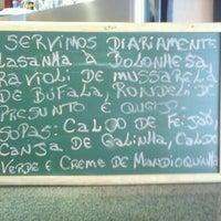 Foto diambil di Café Amigo oleh Wagner T. pada 2/15/2012