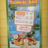 Photo taken at Tropîcal Juice by Sto' on 4/13/2012