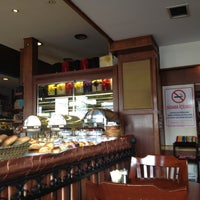 2/12/2012 tarihinde Pinar D.ziyaretçi tarafından Funda Cafe & Patisserie'de çekilen fotoğraf