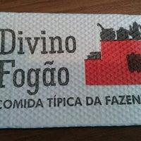 Photo taken at Divino Fogão by Ingrid R. on 8/14/2012