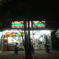 Photo taken at 7-Eleven (เซเว่น อีเลฟเว่น) by PoplatakoM on 2/29/2012