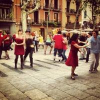 5/27/2012 tarihinde Paulo B.ziyaretçi tarafından Plaça de la Virreina'de çekilen fotoğraf