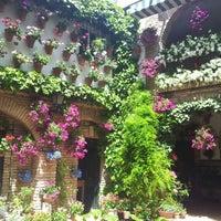 Foto tomada en Casa-Patio de la calle Agustin Moreno, 43 por Jaime M. el 5/10/2012