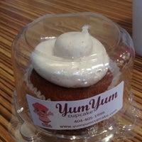 Photo taken at Yum Yum Cupcake by Chioke J. on 11/1/2011