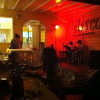 Foto tirada no(a) Petisco's Bar por Carlos F. em 9/2/2012