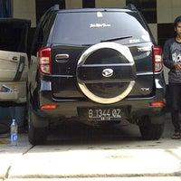 Photo taken at CMC - Cuci Mobil Cepat - ( UKI ) by Sangapan S. on 9/2/2011