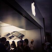 Photo taken at Apple Stoneridge Mall by Madison K. on 10/16/2011