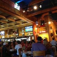 Foto tomada en La Parrilla Mexican Restaurant por robert b. el 7/28/2012