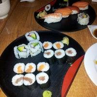Foto tomada en Sushi Ya 2 por Victor S. el 5/25/2012