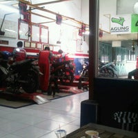 Photo taken at Agung Motor Yamaha by Dedot on 5/11/2011