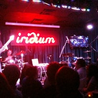 Foto tirada no(a) The Iridium por Joshua D. em 9/29/2011