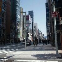 Das Foto wurde bei UNIQLO von turbo+ am 4/1/2012 aufgenommen
