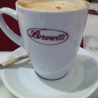 Photo taken at Brunetti Caffe مقهى برونيتي by Chantal A. on 4/14/2012