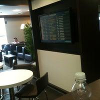Photo taken at Lounge HSBC Premier by Ricardo A. on 3/18/2012