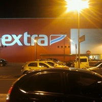 Photo taken at Extra by Onofre M. on 9/20/2011