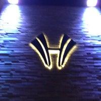 8/31/2012 tarihinde Mertcan K.ziyaretçi tarafından Halikarnas The Club'de çekilen fotoğraf