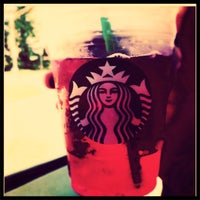 Photo taken at Starbucks by Deonah S. on 6/29/2011