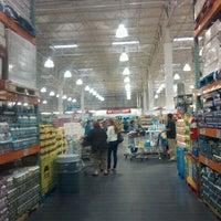 Foto diambil di Costco Wholesale oleh Krystaldera K. pada 9/11/2011