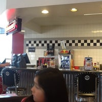 Photo taken at Steak 'n Shake by Javier d. on 4/6/2012