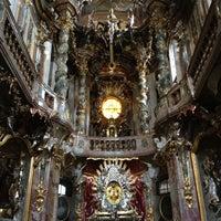 Das Foto wurde bei Asamkirche (St. Johann Nepomuk) von Antonio am 7/17/2012 aufgenommen