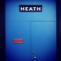 12/2/2011 tarihinde Fritz M.ziyaretçi tarafından Heath Ceramics'de çekilen fotoğraf