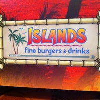 Photo taken at Islands Restaurant by Che Che J. on 3/22/2012