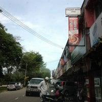 Photo taken at Taman Aman, Kedai Johan by din M. on 1/23/2012