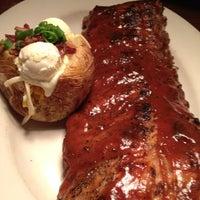 Foto tirada no(a) Outback Steakhouse por Suellen B. em 4/17/2012