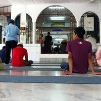 Photo taken at Masjid Kampung Kepayang by Aminudin A. on 5/4/2012