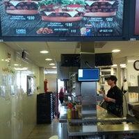 Foto tomada en Burger King por Cristian N. el 8/26/2012