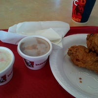 Photo taken at KFC by Raul gerardo A. on 8/11/2012