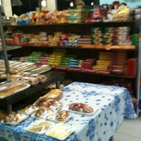 Photo taken at Pampulha Pães e Doces by Justo D. on 8/26/2011