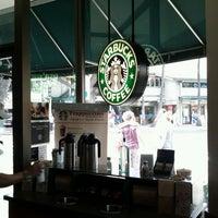 Das Foto wurde bei Starbucks von Stephen S. am 12/24/2011 aufgenommen