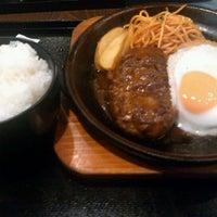 Photo taken at 陶板焼きハンバーグ 俵屋じゅう兵衛 by Hisashi M. on 1/27/2012