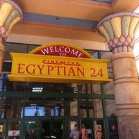 Photo prise au Cinemark Egyptian 24 par Shawnette le7/14/2011