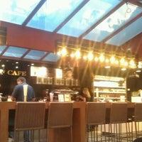 4/10/2012에 Conor N.님이 Central Cafe에서 찍은 사진