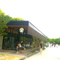 Photo taken at Starbucks by Yuki S. on 2/6/2011