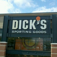 Photo taken at DICK'S Sporting Goods by Swag on 12/19/2011