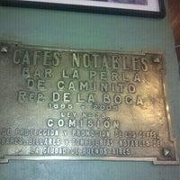 Photo taken at La Perla de Caminito by Milton N. on 11/6/2011