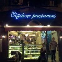 Das Foto wurde bei Çiğdem Pastanesi von Erhan ö. am 8/16/2011 aufgenommen