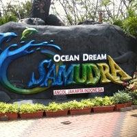 Photo taken at Ocean Dream Samudra (Gelanggang Samudera Ancol) by ArtDuane on 8/31/2011