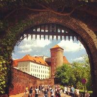 Foto tirada no(a) Zamek Królewski na Wawelu por Peter S. em 5/5/2012