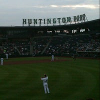 Photo taken at Huntington Park by Ale G. on 8/15/2012