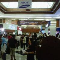 Photo taken at Focus : Jakarta Photo & Digital Imaging Expo by Anton S. on 3/2/2012