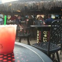 รูปภาพถ่ายที่ Bally's Bikini Beach Bar โดย stephen h. เมื่อ 8/14/2012