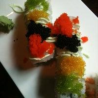 Foto tirada no(a) Sushi O Bistro por Mandi R. em 4/26/2011
