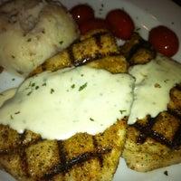 Photo prise au SoNapa Grille par MJCLife le6/11/2012