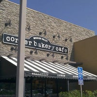 Снимок сделан в Corner Bakery Cafe пользователем Bort R. 9/9/2011