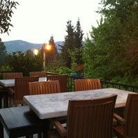 6/25/2012 tarihinde Christer A.ziyaretçi tarafından Halil'in Yeri Burak Restaurant'de çekilen fotoğraf
